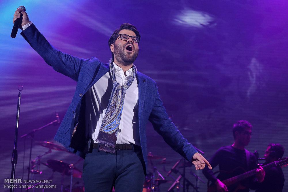 اجرای کنسرت حامد همایون