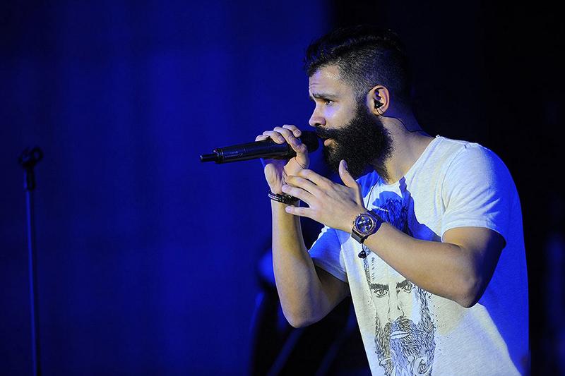 اجرای کنسرت فرزاد فرزین